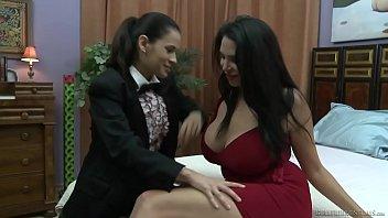 Missy Martinez y «Padre» Vanessa Veracruz